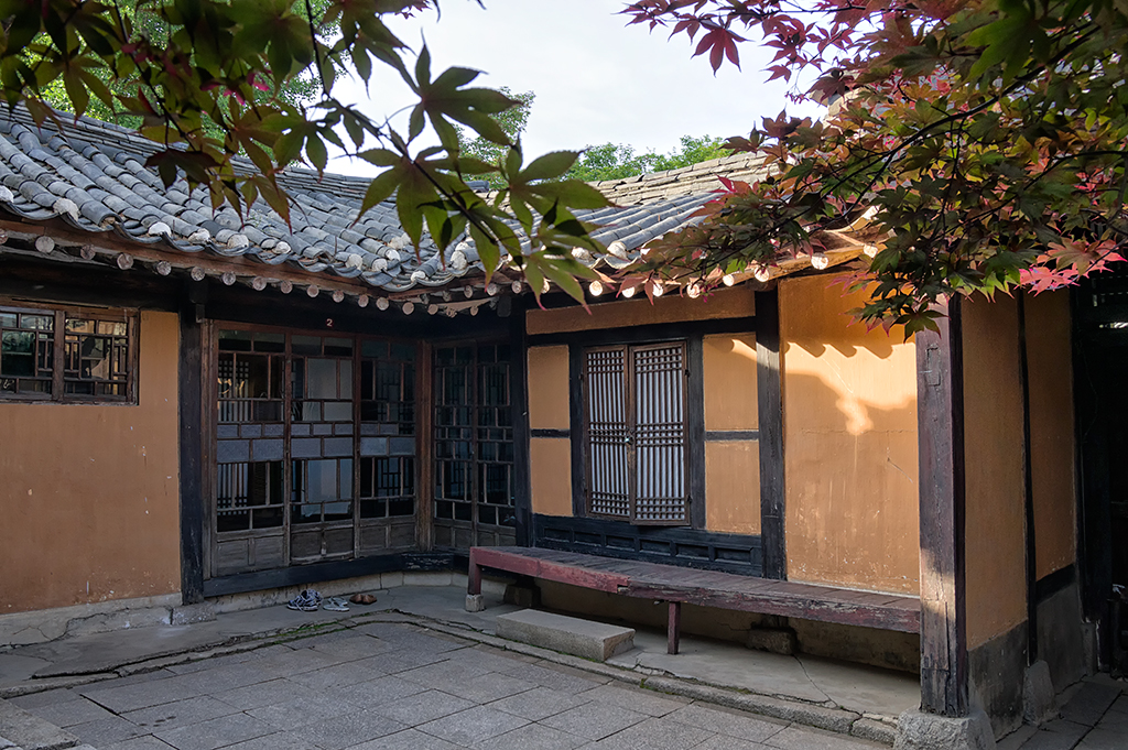 A typical courtyard inside one of the houses