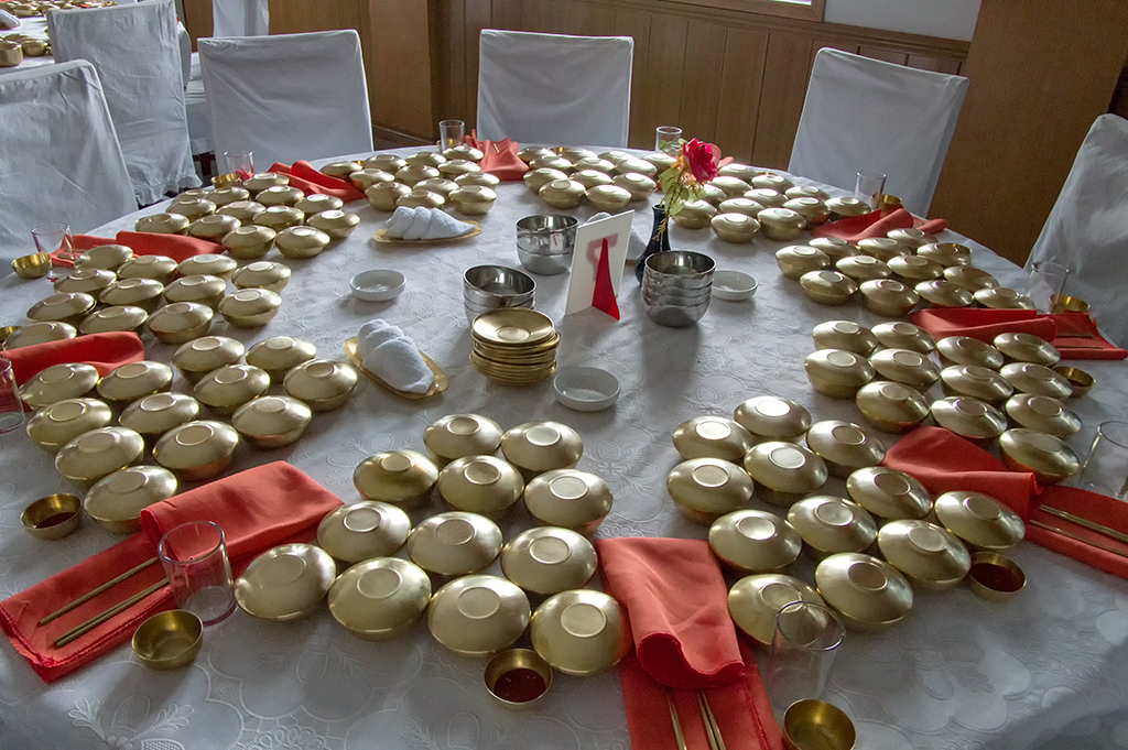 A typical serving for Kaesong cuisine.