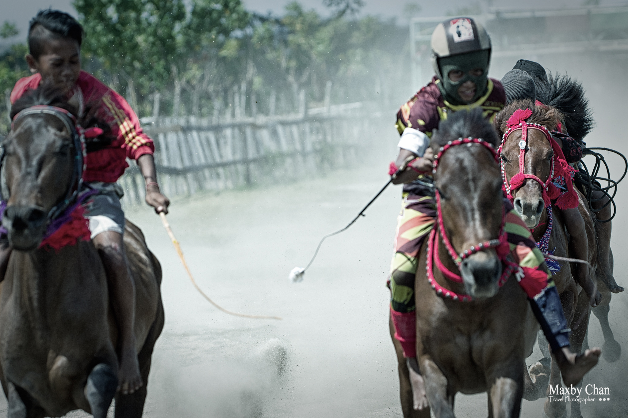 There were fierce competition among the jockeys even though this was just a practice session.
